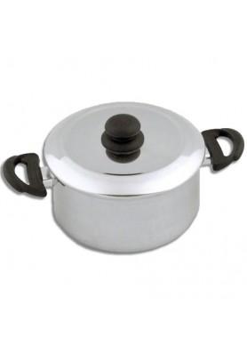 Leve e prática, a Caçarola da Alumínio Econômico é ideal no preparo dos alimentos.